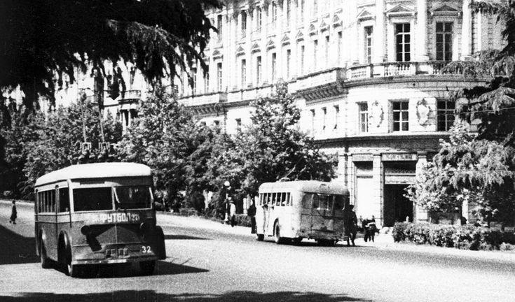 Тбилиси, троллейбус ЯТБ-4 № 32; Тбилиси — Старые фотографии тбилиси
