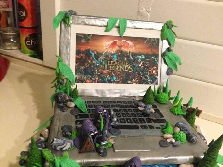 League of Legends cake by Christina Saugmann.