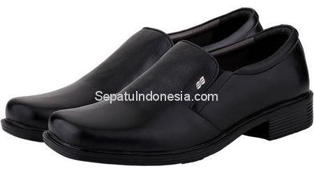 Sepatu pria JIP 1703 adalah sepatu pria yang nyaman dan elegan....