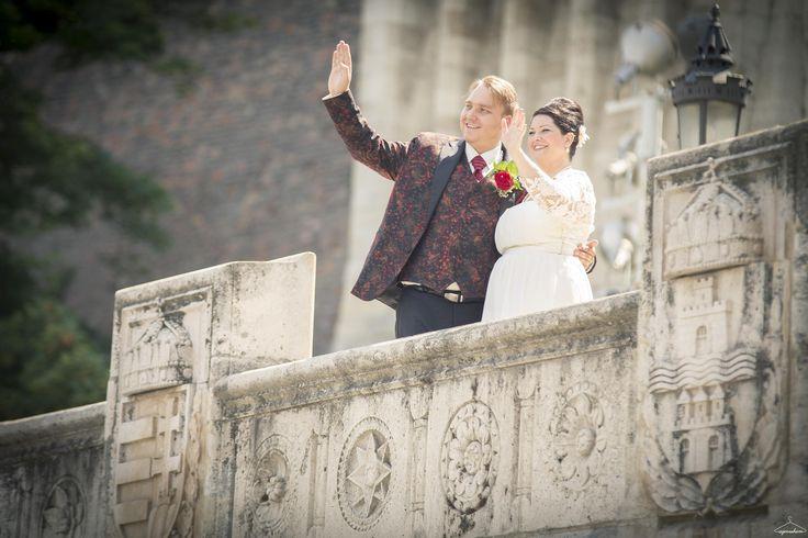 Budapest Wedding  http://azenruham.hu/menyasszonyi-ruha/eszti-es-robi-eskuvoje-szel-ruhaja