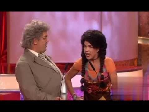 Ricky alias Anke Engelke überreicht Comedypreis an Horst Schlämmer 2006 - YouTube