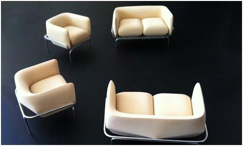 """Sofás Chandigarh de Doshi & Levien.  Inspirados pela cidade de Chandigarh, na  Índia, que é bem conhecida por sua arquitetura Le Corbusier, os sofás Chandigarh são uma combinação de qualidades: """"moderno, sensual, gráfico e excêntrico"""" diz Doshi Levien. Os assentos do sofás são em espuma, e estofados em couro ou vidro com um design print."""