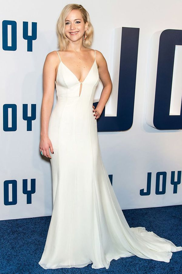 Classic minimalist gown | Jennifer Lawrence