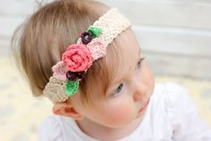 This free crochet flower headband pattern is surprisingly easy  and makes an adorable accessory for a flower girl (or a bohemian beauty of any age)!