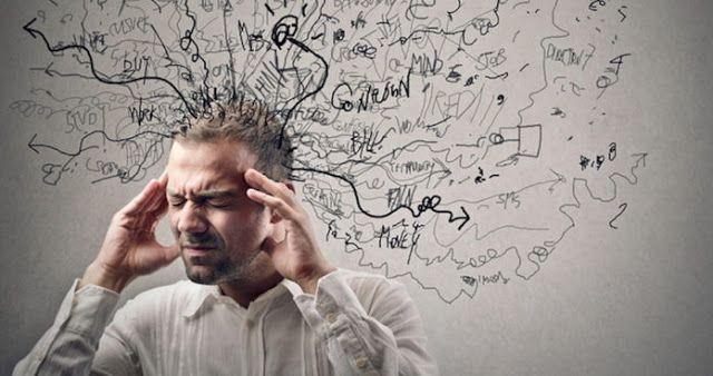 """A Síndrome do Pensamento Acelerado atinge mais de 80% dos indivíduos de todas as idades. A Síndrome do Pensamento Acelerado é caracterizada por pensamentos recorrentes principalmente durante a noite e causam perturbação do sono. É como se o cérebro superativado gritasse: """"Ei, tenho várias ideias geniais! Você não pode dormir se não irá esquecê-las."""""""