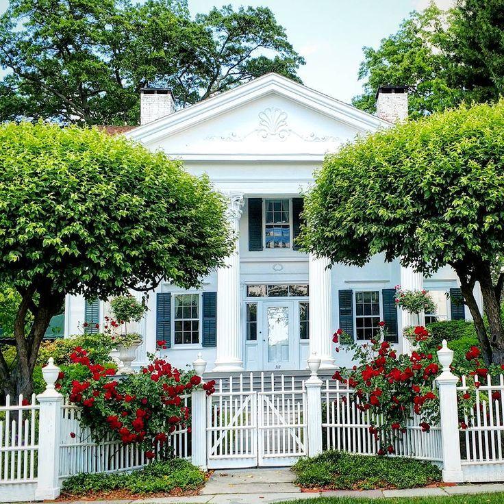 Best 25 Modern Farmhouse Exterior Ideas On Pinterest: 25+ Best Ideas About White Farmhouse Exterior On Pinterest