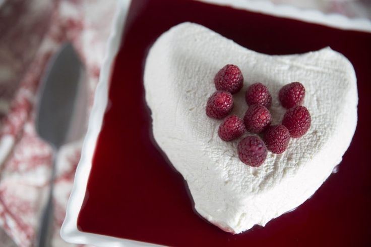 Coeur a la Creme with fresh raspberries #ValentinesDay