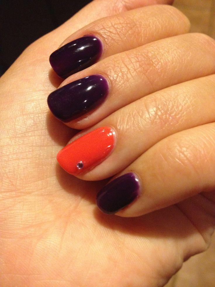 Gel polish nail art. Diamanté on party nail