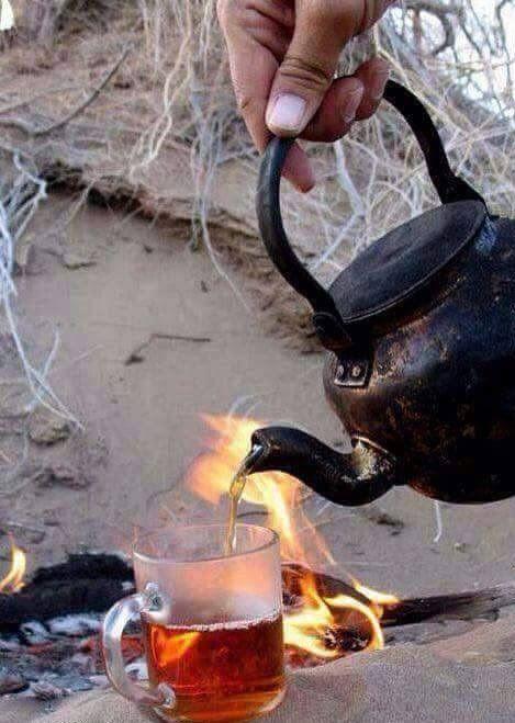 Sen bir çay demle sıcacık. Ben tüm soğuk yanlarımı. Elimi. Yüzümü. Gönlümü alıp geleyim… — Mehmet Deveci