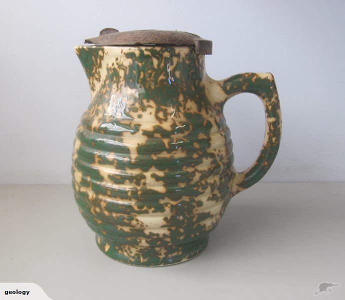 Lovely Vintage Green Electric Jug like Temuka with ESSCO lid.