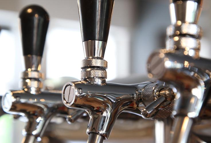The Griffin – Craft Beer Gastropub - Illovo Johannesburg | The Griffin - Gastropub. Craft Beer. Illovo Junction, Johannesburg - 011 447 9842