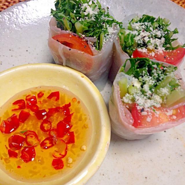 チリソースは好みに合わせて辛め甘めに♪ - 11件のもぐもぐ - 生春巻き〜水菜生ハム  手作りスィートチリソース by chao84