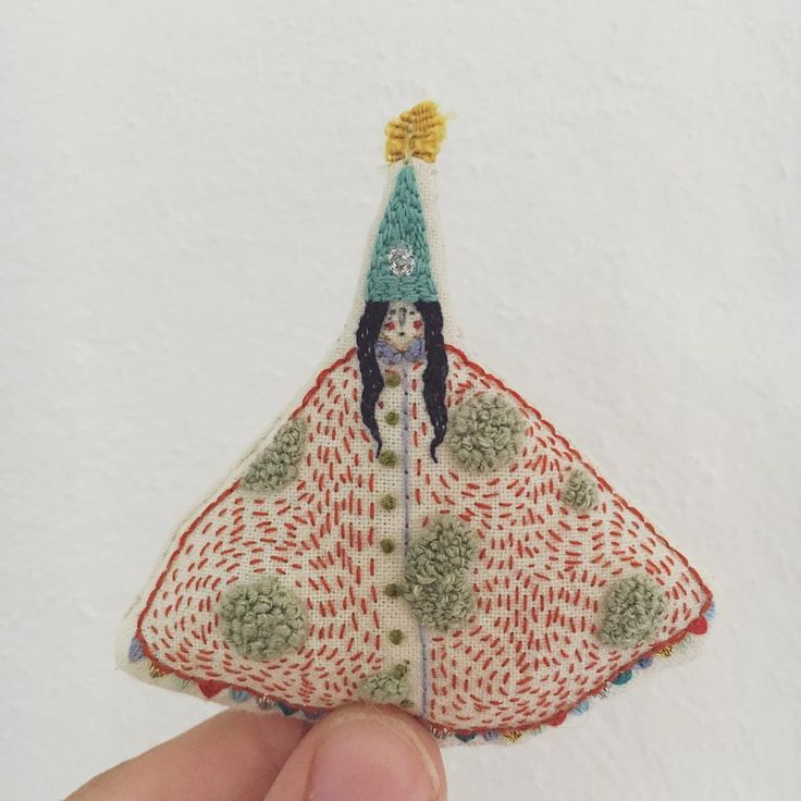 Megan Griffiths embroidered dolls