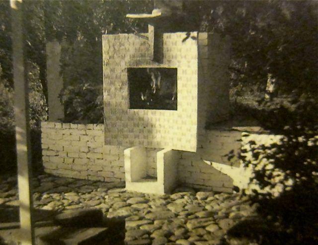 Garden fireplace 1950 - Costantino nivola: lost in the hamptons