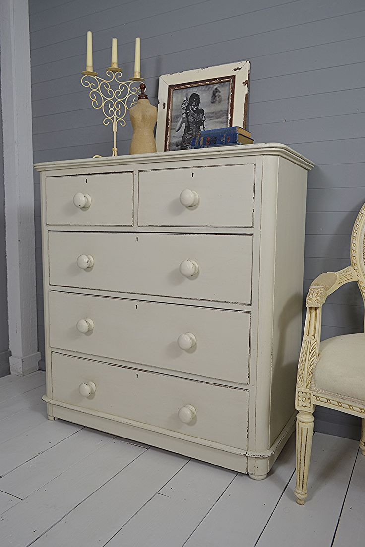 #letstrove Who doesn't need plenty of bedroom storage! This Victorian chest of drawers has 5 tall and deep drawers which works for us! Painted in Farrow and Ball Shaded White with Stiffkey Blue inside. https://www.thetreasuretrove.co.uk/bedroom-storage/5-drawer-shabby-chic-victorian-chest-of-drawers #farrowandballshadedwhite #antiquefurniture #shabbychicfurniture