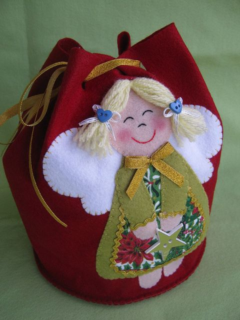 "love this little felt angel purse!  It makes me smile looking at her smile!!   ..✫¸.•°*""˜˜""*°•.✫"