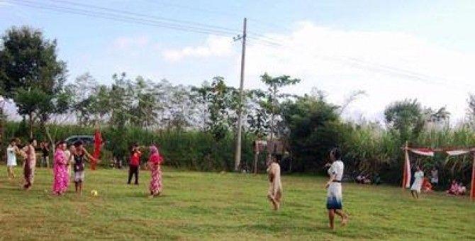 Football Dancing (unique Indonesian)