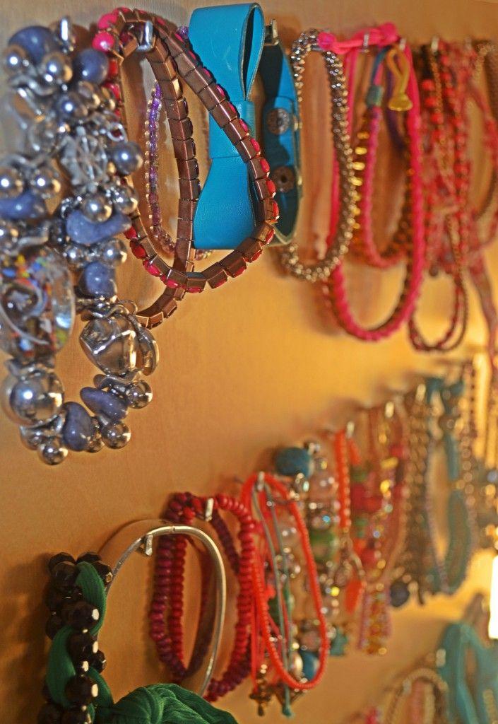 Petite amie sieraden kast. Hang je sieraden overzichtelijk op aan deze sieradenkast.