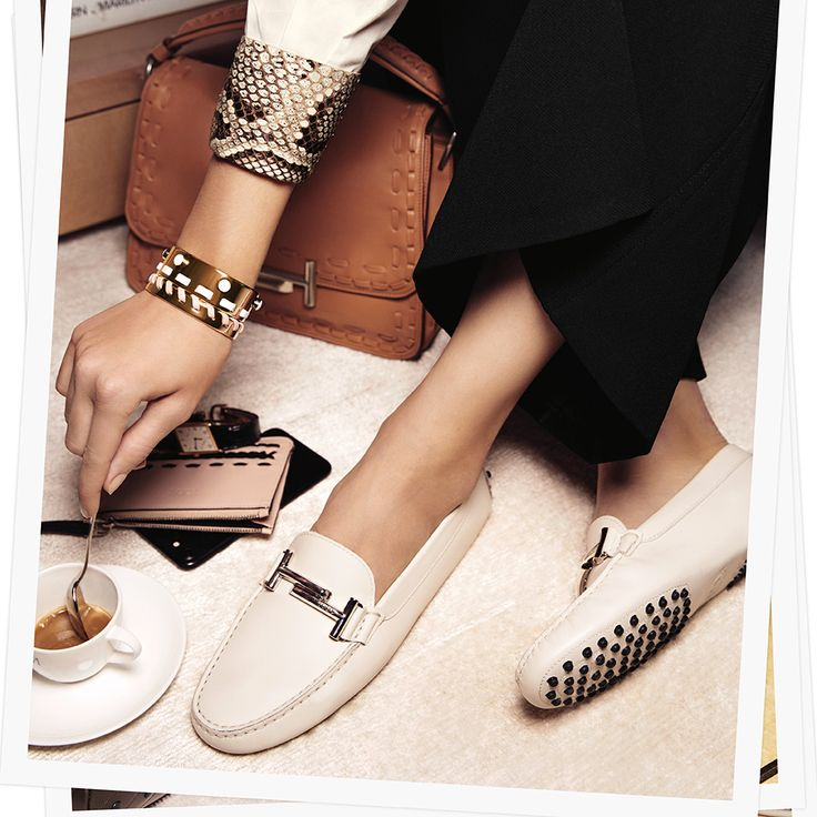Italian style at its best: discover the Tod's Double T collection from the Spring/Summer 2017 Campaign, and a world of perfect details. More at tods.com #TodsJournal #SS17 #TodsDoubleT