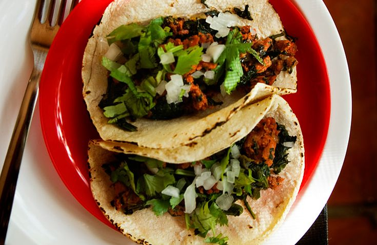 Chorizo and Spinach Tacos + A Couple of Notes on Mexican Cuisine   Tacos de chorizo y espinacas   Spicie Foodie – Spicie Foodie ™