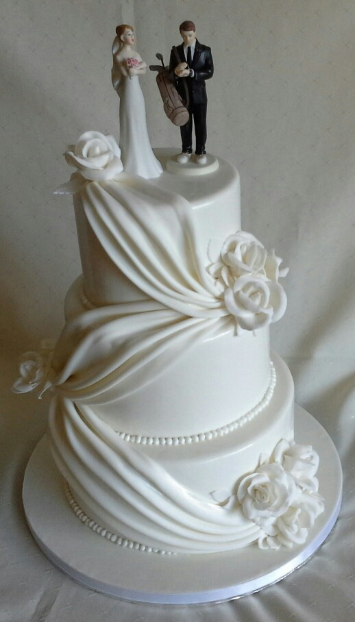 White Roses Elegant Drapping Amp Pearls Wedding Cake With