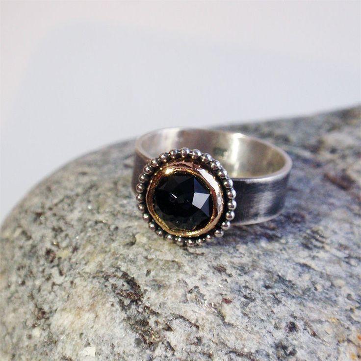 """Купить Кольцо """"Трюфель"""". Черная шпинель, серебро, голдфилд - черный, кольцо с чёрной шпинелью"""