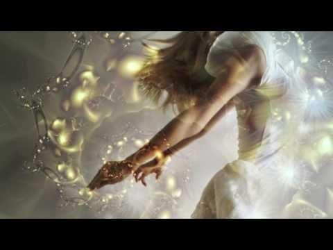 I just love Tina Malia's voice! Sarva Mangala - ૐ Om Namah Shivaya ૐ- Tina Malia & Shimshai
