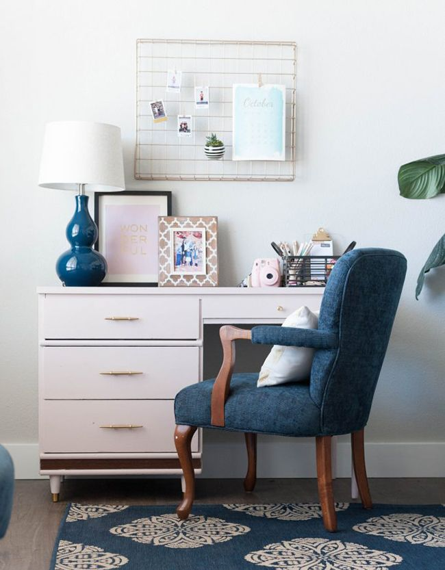 A boy's rough-and-tumble world calls for durable bedroom furnishings and a get-tough attitude toward organization. Check out our trendy decorating ideas and savvy design advice as you venture to decorate his bedroom.