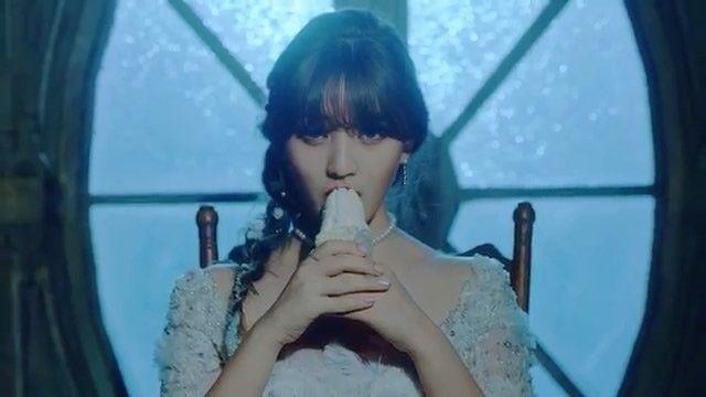 TWICE new mv TT わたしの天使はなんでこんなにかわいいのか  ダヒョンがかわいすぎて驚愕だ私の中のおれが騒いでる #twice#tt#nayeon#jeongyeon#momo#mina#sana#jihyo#dahyun#chaeyoung#tzuyu#jyp#jypfamily  @twicetagram