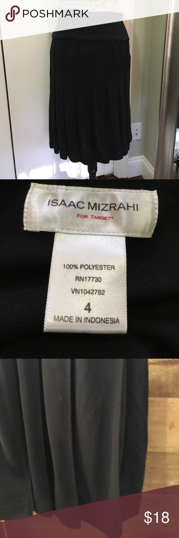 Isaac Mizrahi pleated skirt Beautiful pleated skirt with wide waistband. Great piece for the office or for going out on a date! Only worn once. Isaac Mizrahi Skirts