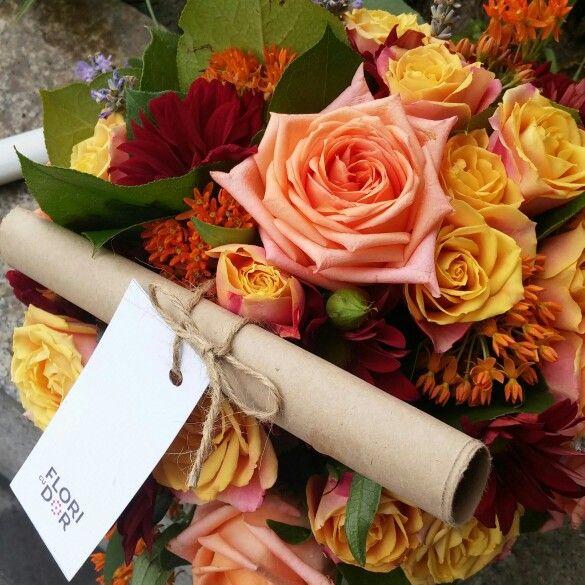 #MYLIFE  Ma iubeste? Nu ma iubeste?  Ma iubeste! Am fost cumine si am primit un buchet superb! Felicitari, Flori cu Dor! Bafta! www.floricudor.ro #floricudor #maiubestenumaiubeste