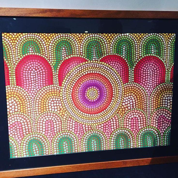 ディジュリドゥ奏者GOMAが事故後に描くようになった絵点描画みたいな感じ癒し系昨日のライブ会場で展示されてました  #GOMA #painting #art #1日1アート #everydayart