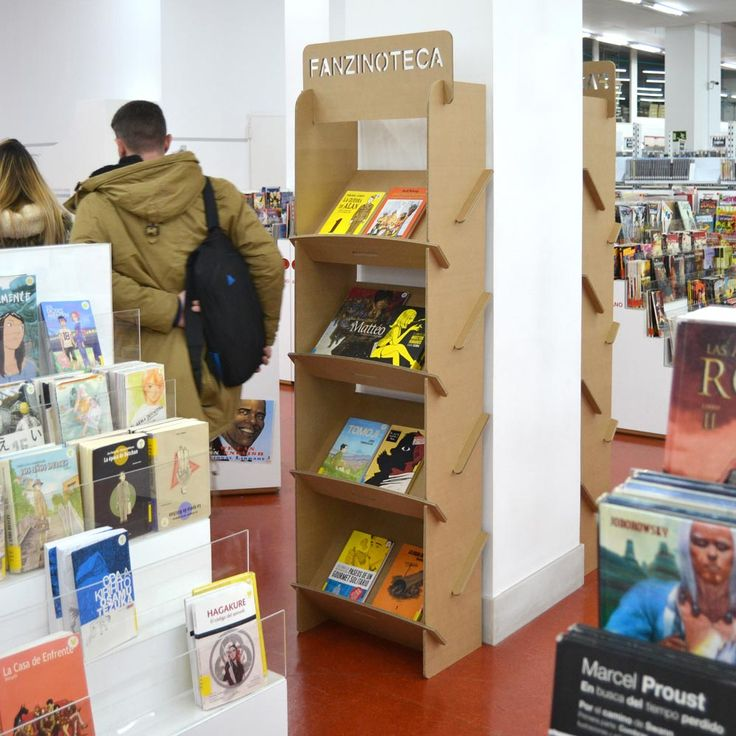 Estanteria revistero portafolletos pared carton biblioteca regional murcia fanzinoteca fanzine libreria diseñado por Cartonlab. bookcase wall carton regional library murcia fanzinoteca shelf magazine bookshelf bookshelves decoration ideas bookshop bookstore designed by Cartonlab.