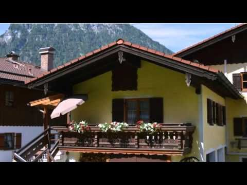 Haus Florence - Schonau Am Konigssee - Visit http://germanhotelstv.com/haus-florence This Alpine-style apartment is beautifully located in Schönau am Konigssee. Haus Florence offers free WiFi and great panoramic views from the balcony and covered terrace. -http://youtu.be/IPUdp5mqP-g