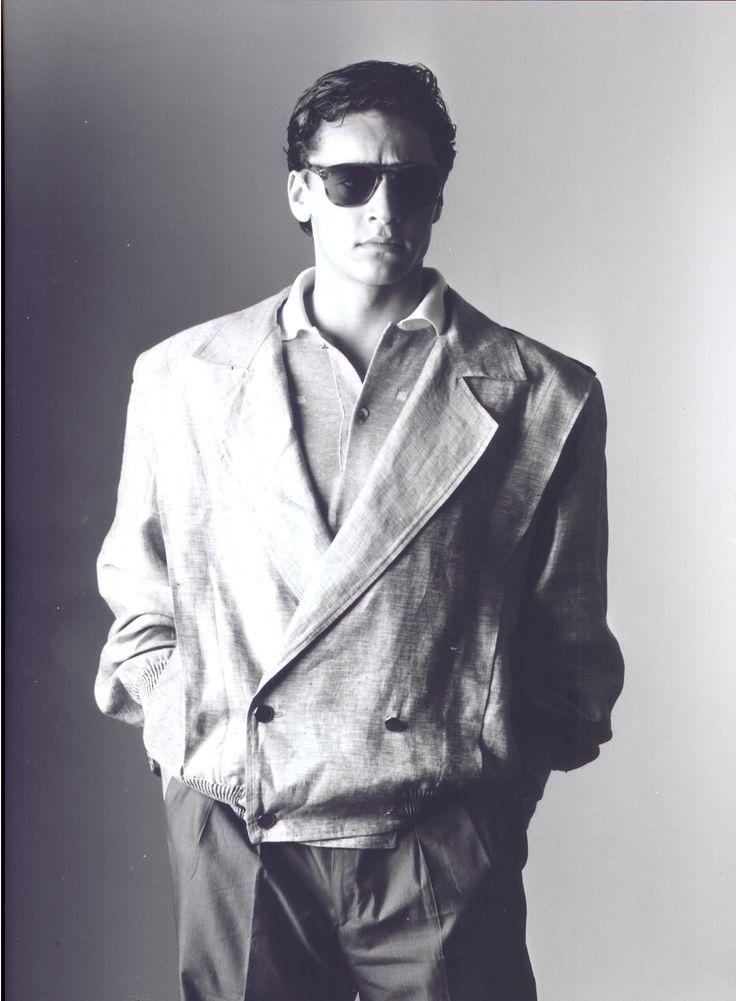 DANNY WISE: L'un des 5 meilleurs modèles dans le monde de 1981 à 1992, avec l'élégance et une harmonie vol physique écrasante et disputer les yeux des femmes, des allumettes, une classe extraordinaire et innée intérieur, la création de l'homme DANNY WISE mythe du 3ème millénaire.