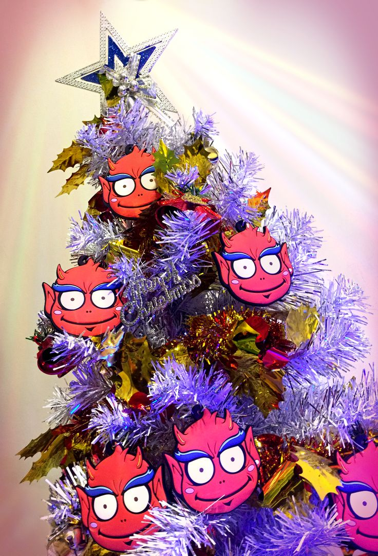 Devil XMas Tree / Merchandise, designer and art toys / Creator, Characters and Illustrations by PEPPERJERRY
