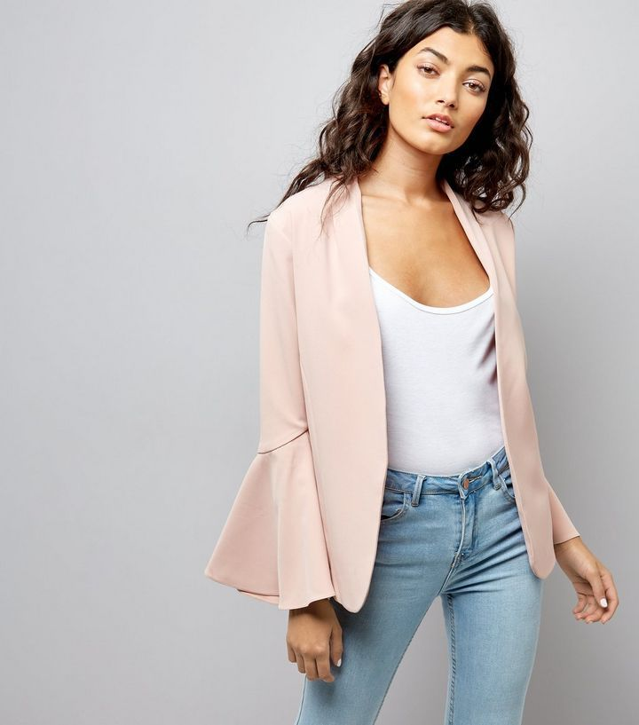 L2017 http://www.newlook.com/row/womens/clothing/jackets-coats/pink-flared-sleeve-blazer/p/540766973?comp=Browse