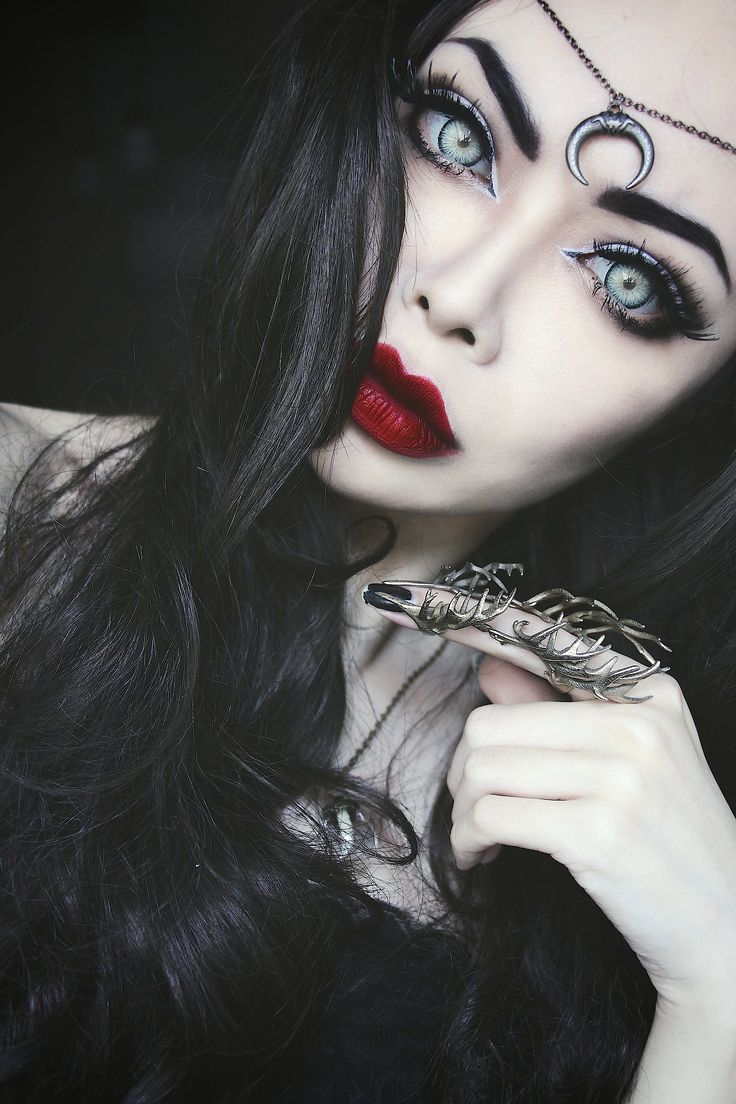 1000 ideas about pastel goth makeup on pinterest nu goth makeup - Another Gothic Makeup Very Bold Features The Eyes Capture You Massively Along With The Red Bold Lips And Its Amazing Black Hair
