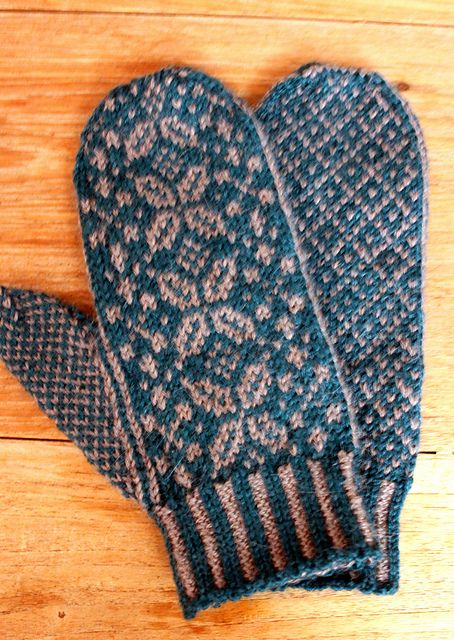 Free pattern - Mittens to Order pattern by Diane Mulholland