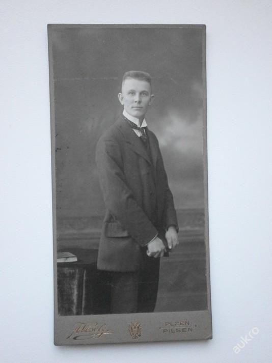 Kabinetka - Muž v obleku - A. Veselý - Plzeň 1915