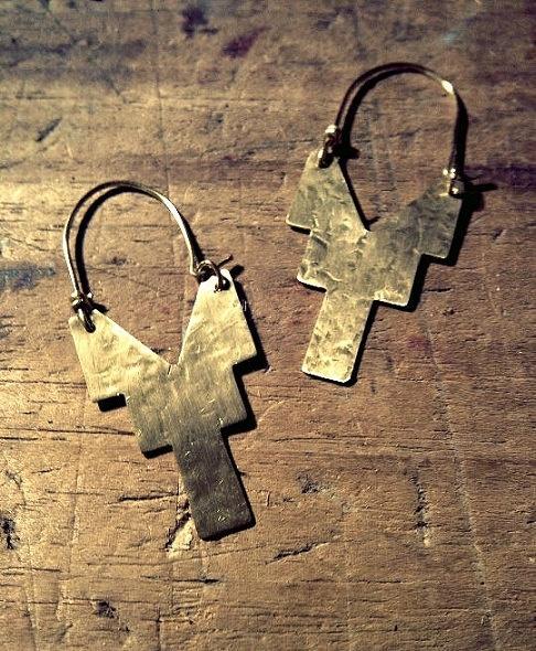Hammered Brass V Cross Earrings by RachellovesBob on Etsy