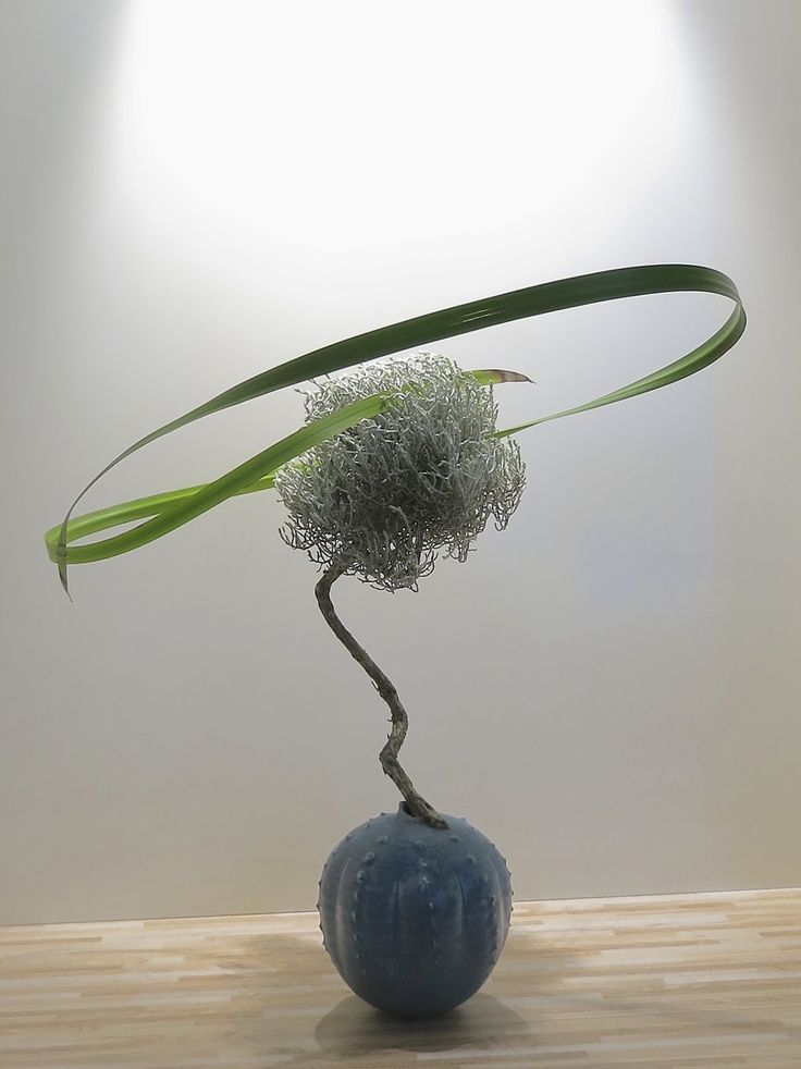 25 Best Ideas About Ikebana On Pinterest Arrangements Flower Arrangement And