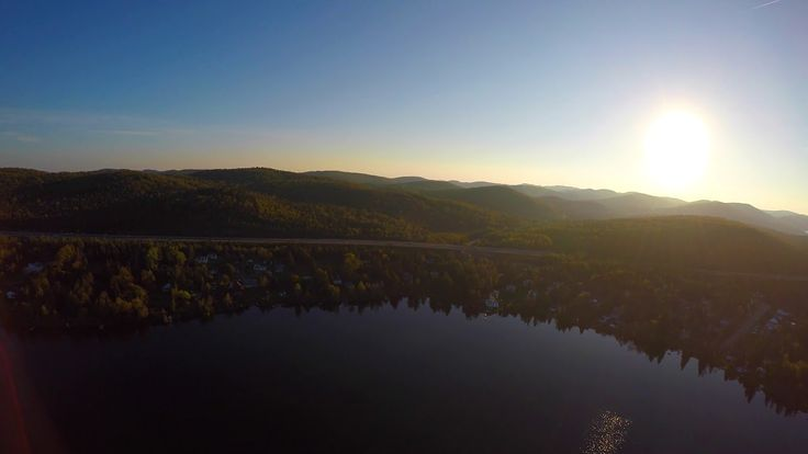 Uma linda cidade, o drone entrega tudo.