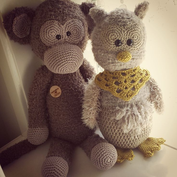 Aap Lucas en uil Anna gehaakt door Hetty Kamerman-Dekker #haken #haakpatroon #gehaakt #amigurumi #knuffel #gehaakt #crochet #häkeln #cutedutch