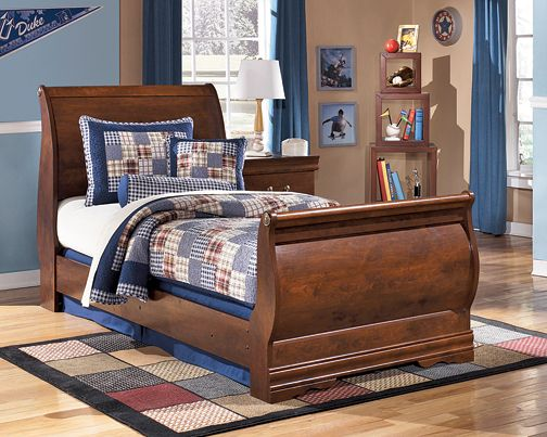 Who Wouldn 39 T Love This Sleigh Bed In Their Bedroom It 39 S Such A Cute Classic Kimbrell 39 S