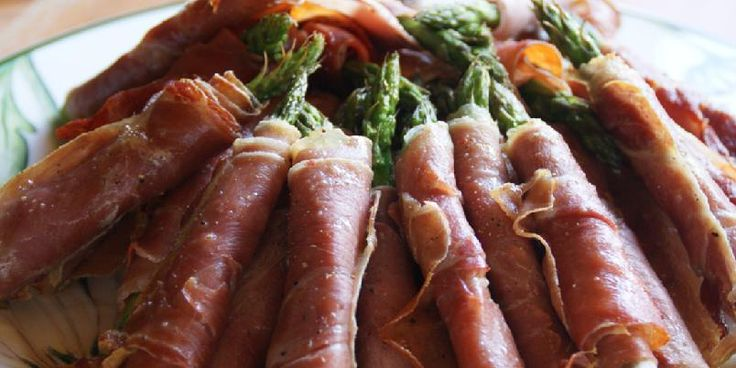 Stekt asparges med spekeskinke - En enkel, smakfull og knasende sprø tapasrett