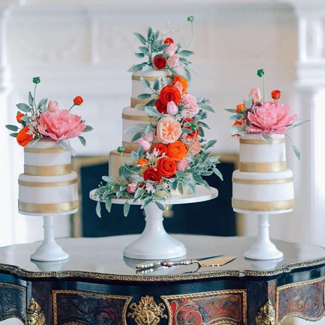 Sugar-Flower Cakes by Alex Narramore, The Mischief Maker #mischiefmakercakes #themischiefmaker