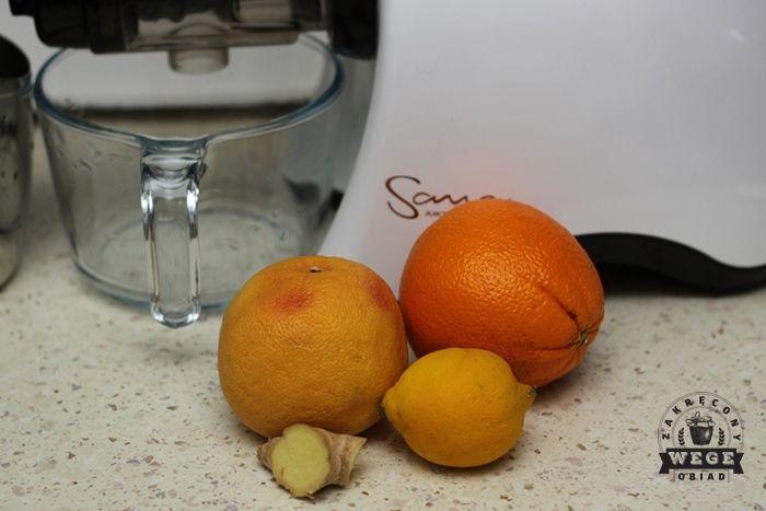 Zimą owoce cytrusowe są najtańsze i najsmaczniejsze. Są osoby które nie polecają ich jedzenia zimą, ponieważ wychładzają organizm, ja jednak nie mogę się