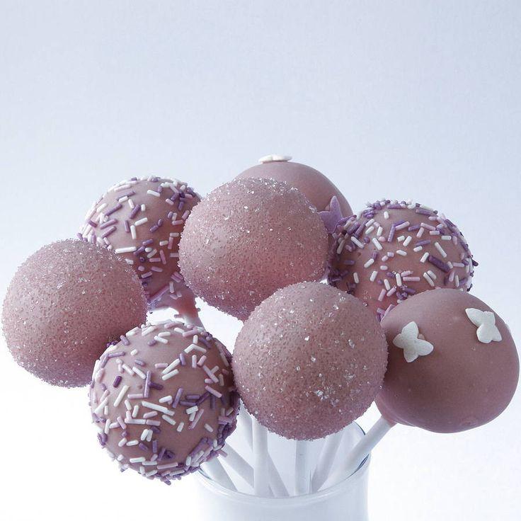 Wedding Favour Ideas: Lilac Vintage Cake Pops