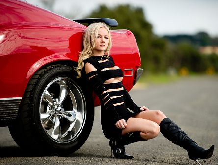 naked chick on a mustang